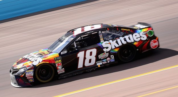 Kyle busch second at ism raceway monster energy cup series mrn - Pictures of kyle busch s car ...