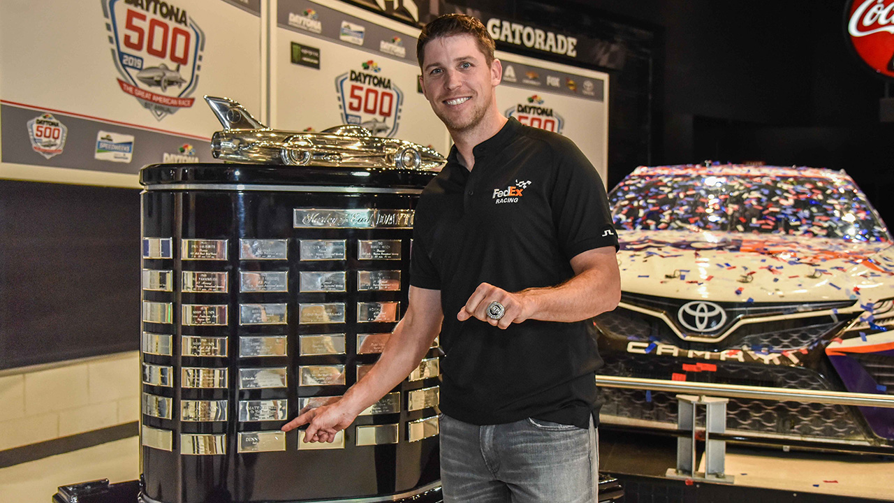 Denny Hamlin Honored At Daytona 500 Champion S Breakfast Mrn