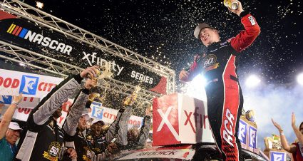 Reddick Battles to Bristol Win