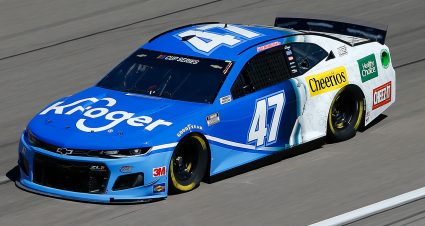 Stenhouse Finishes Third at Vegas