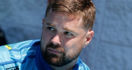 Stenhouse Jr. to Join JTG Daugherty