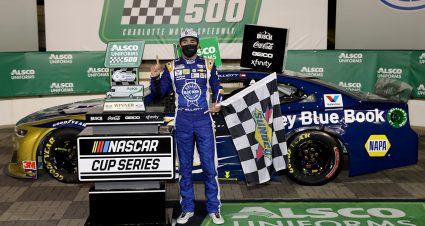 Elliott Captures Charlotte Win